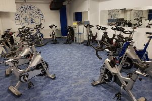 Spinningraum im Fitness-Studio